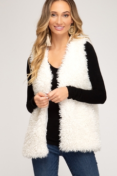 She & Sky  SLEEVELESS FAUX FUR VEST WITH POCKETS - Product List Image