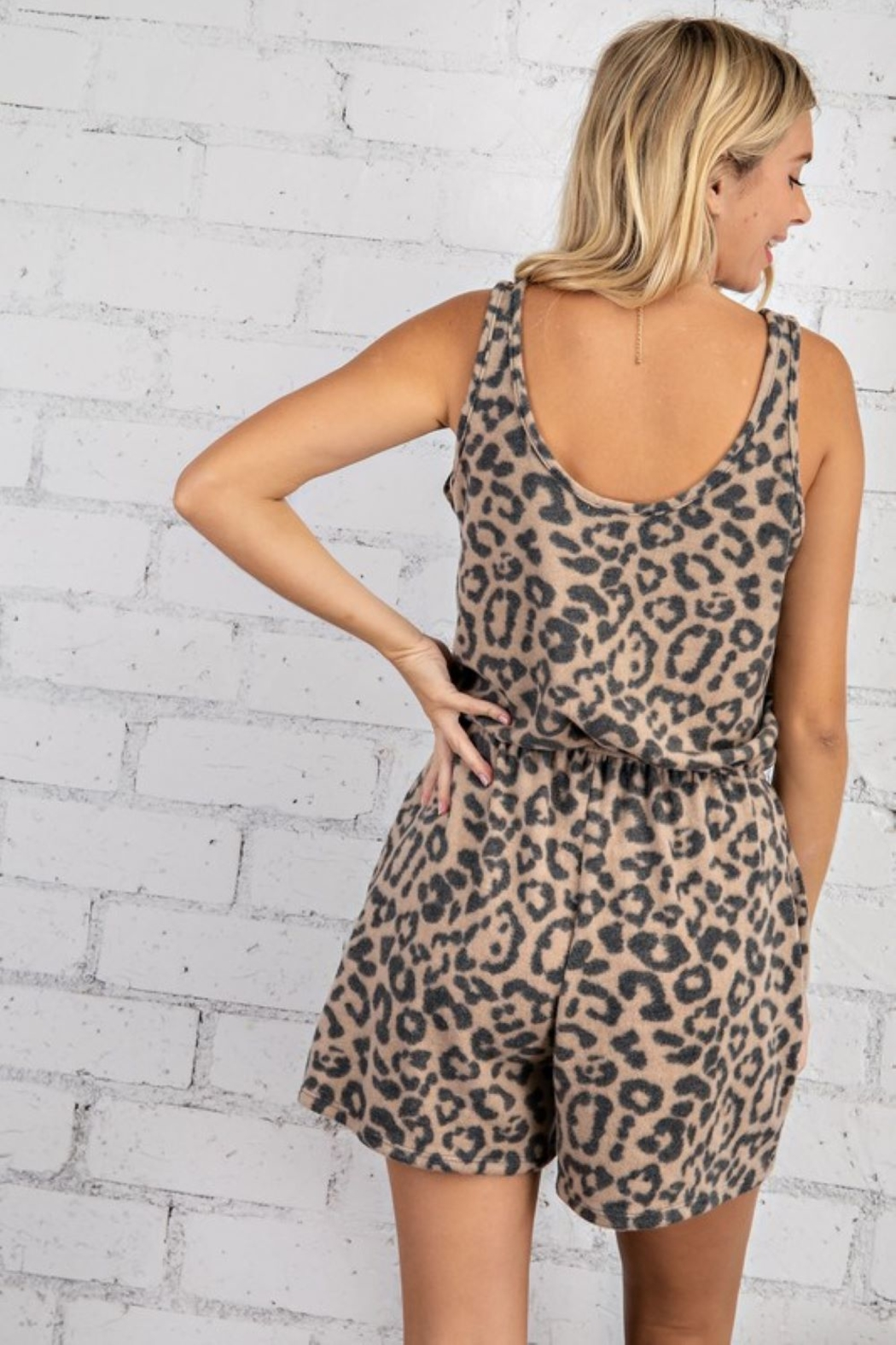 143 Story Sleeveless Leopard Romper - Side Cropped Image