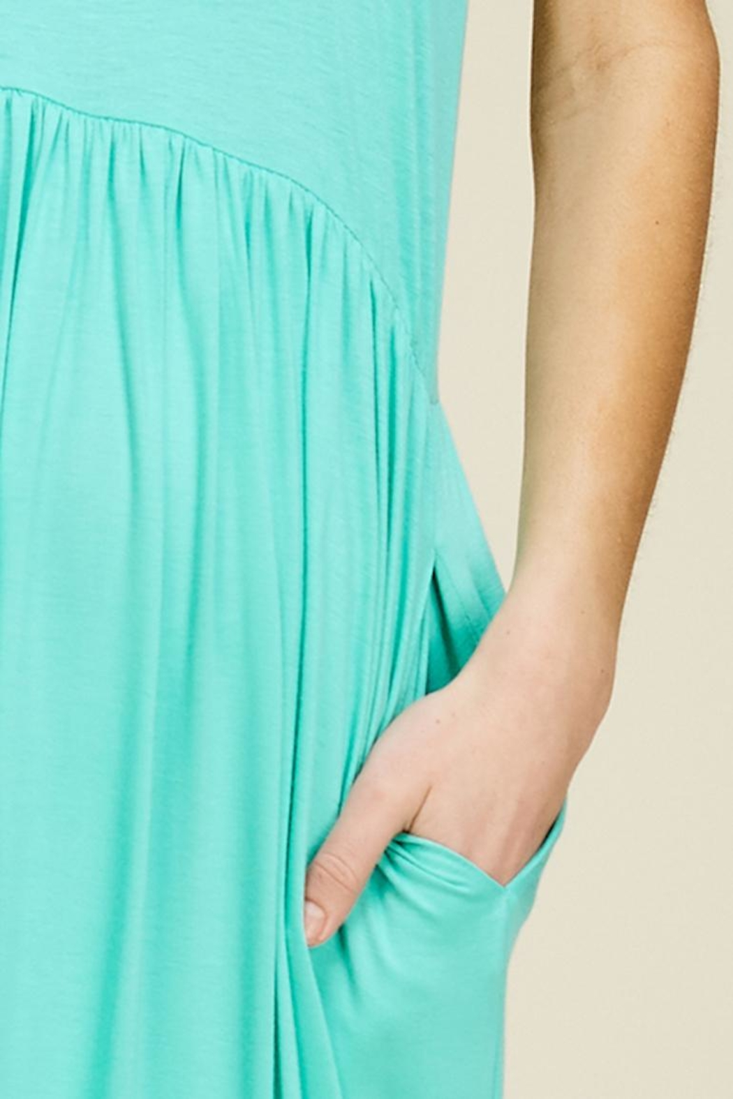annabelle Sleeveless Maxi Dress - Side Cropped Image