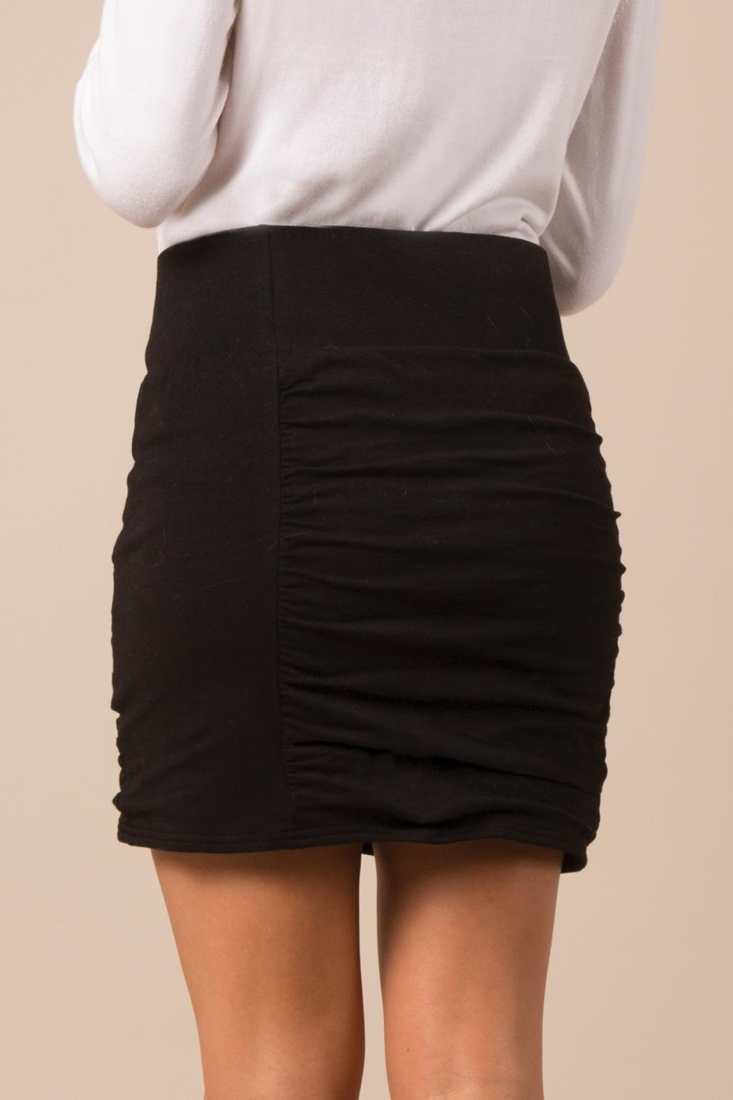 Simply Noelle Slimming Scrunch Skirt - Side Cropped Image