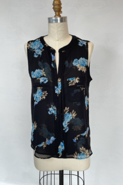 Sioni Slit Collar sleeveless blouse with pocket detail - Product List Image