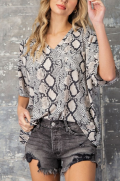 eesome Slither In Style Top - Product List Image