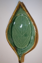 Iris Grundler Pottery Small Leaf - Front cropped