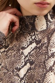 French Connection SNAKE PRINT HIGH NECK TOP - Back cropped