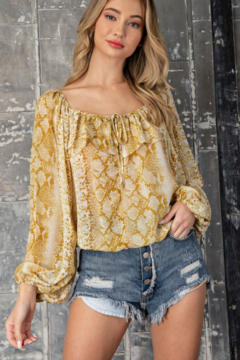 ee:some Snake Print Ruffle Top - Product List Image