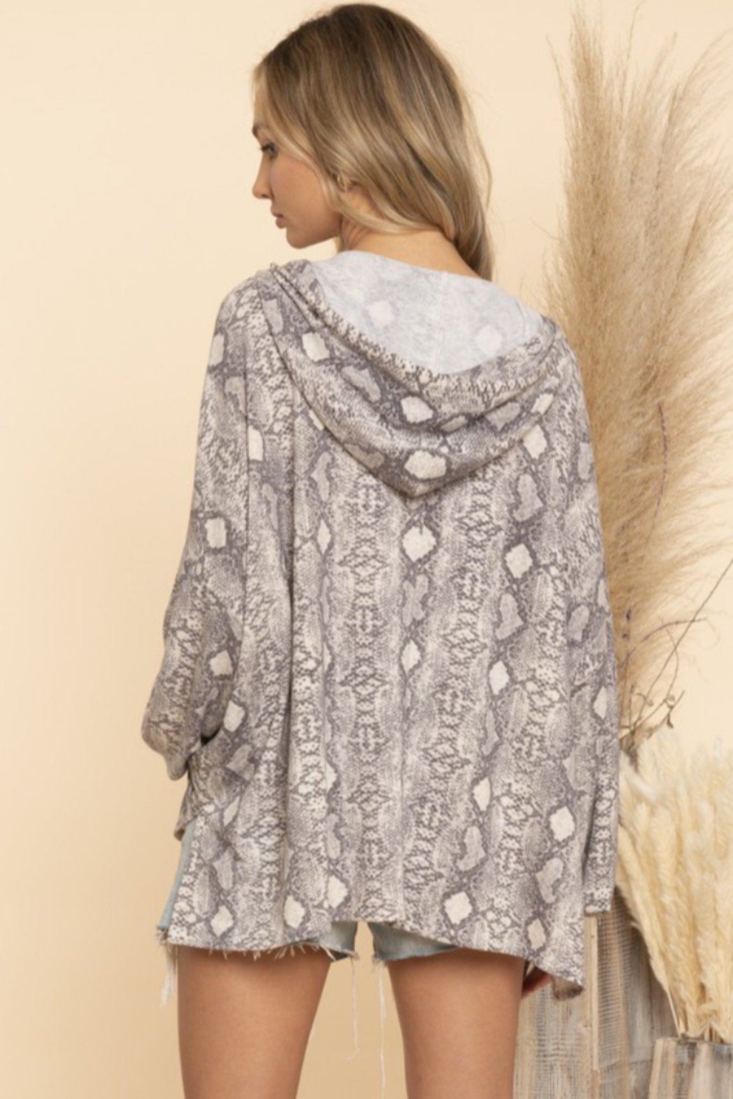 Blue Buttercup Snake Skin Print Hooded Top - Side Cropped Image