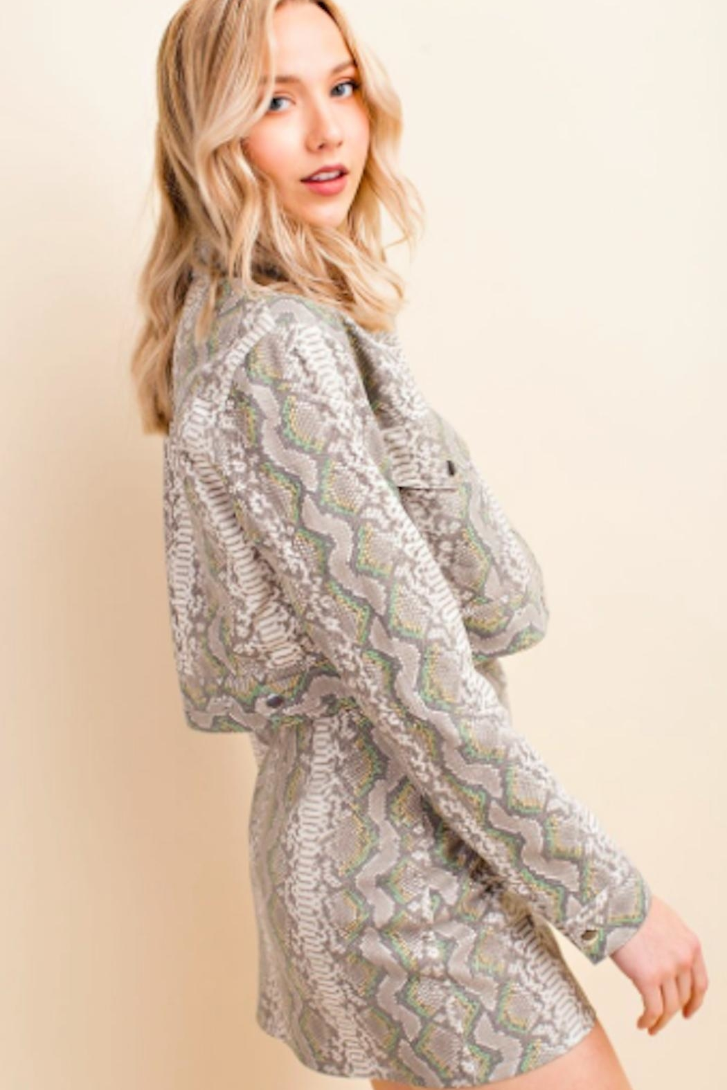 TIMELESS Snakeskin Crop Jacket - Side Cropped Image