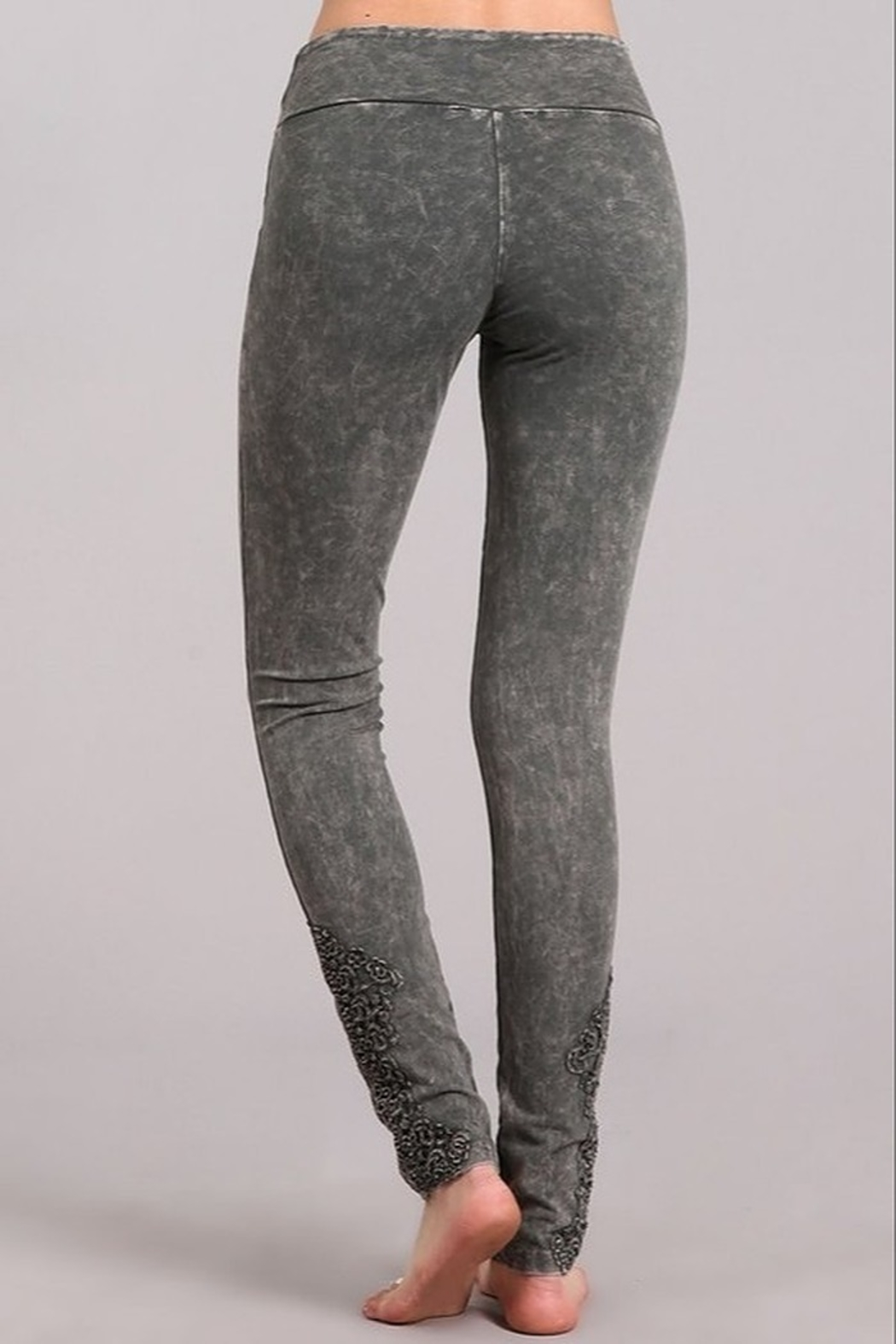 Chatoyant  Snazzy Lace Leggings For Long Legs - Side Cropped Image