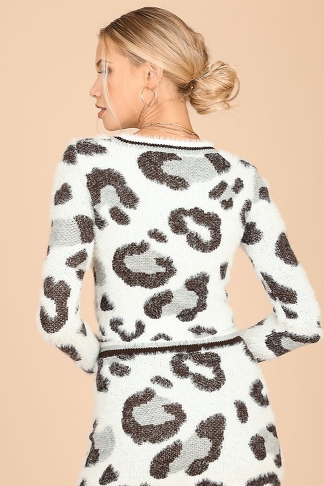 Honey Punch Snow Leopard Fuzzy Sweater - Side Cropped Image