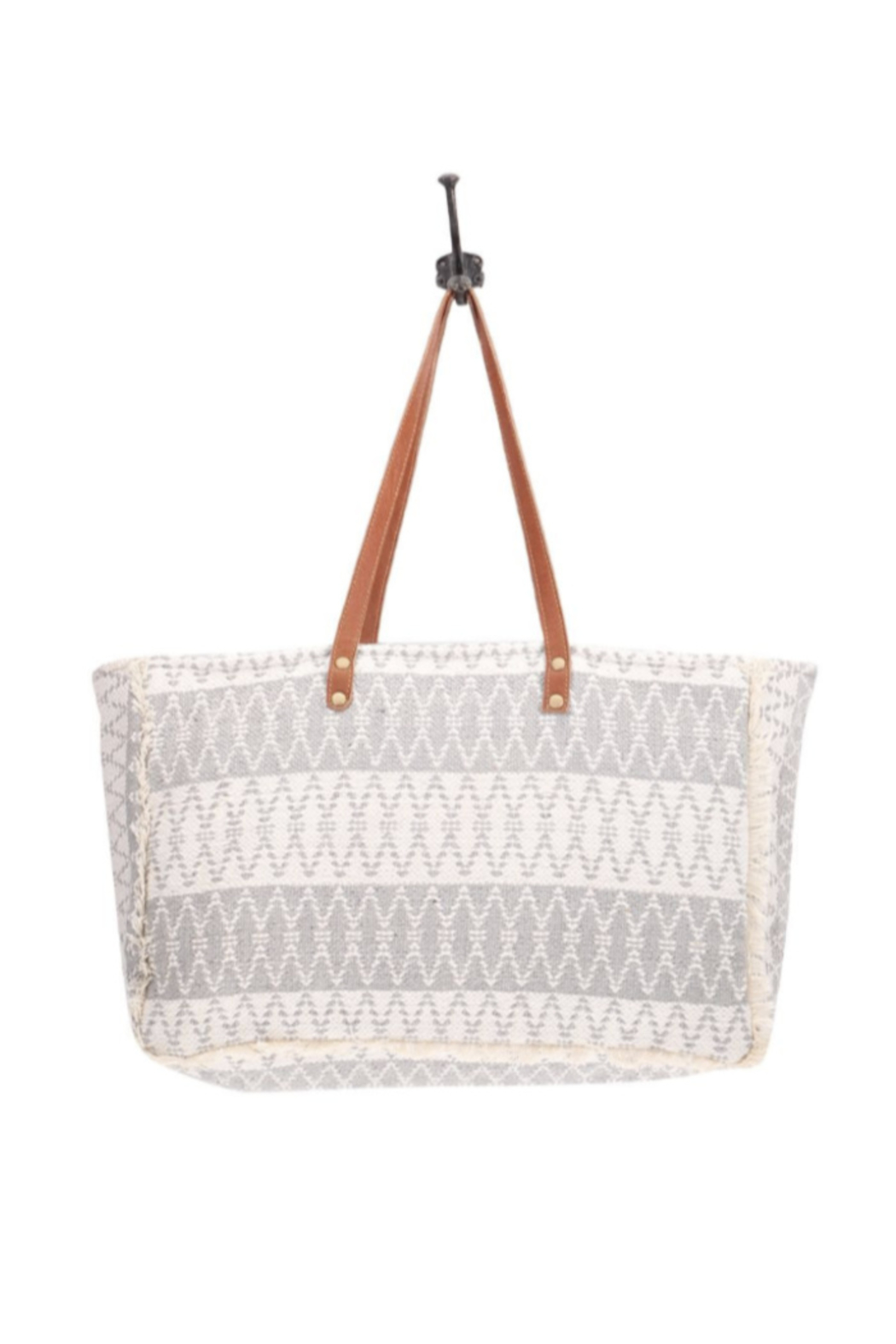 Myra Bags Snowy Weekender Bag From Tennessee By Terri Leigh S Shoptiques From leather weekend bags to weekend bags with wheels, you won't want to leave for your short break without these chic weekender bags for women. shoptiques