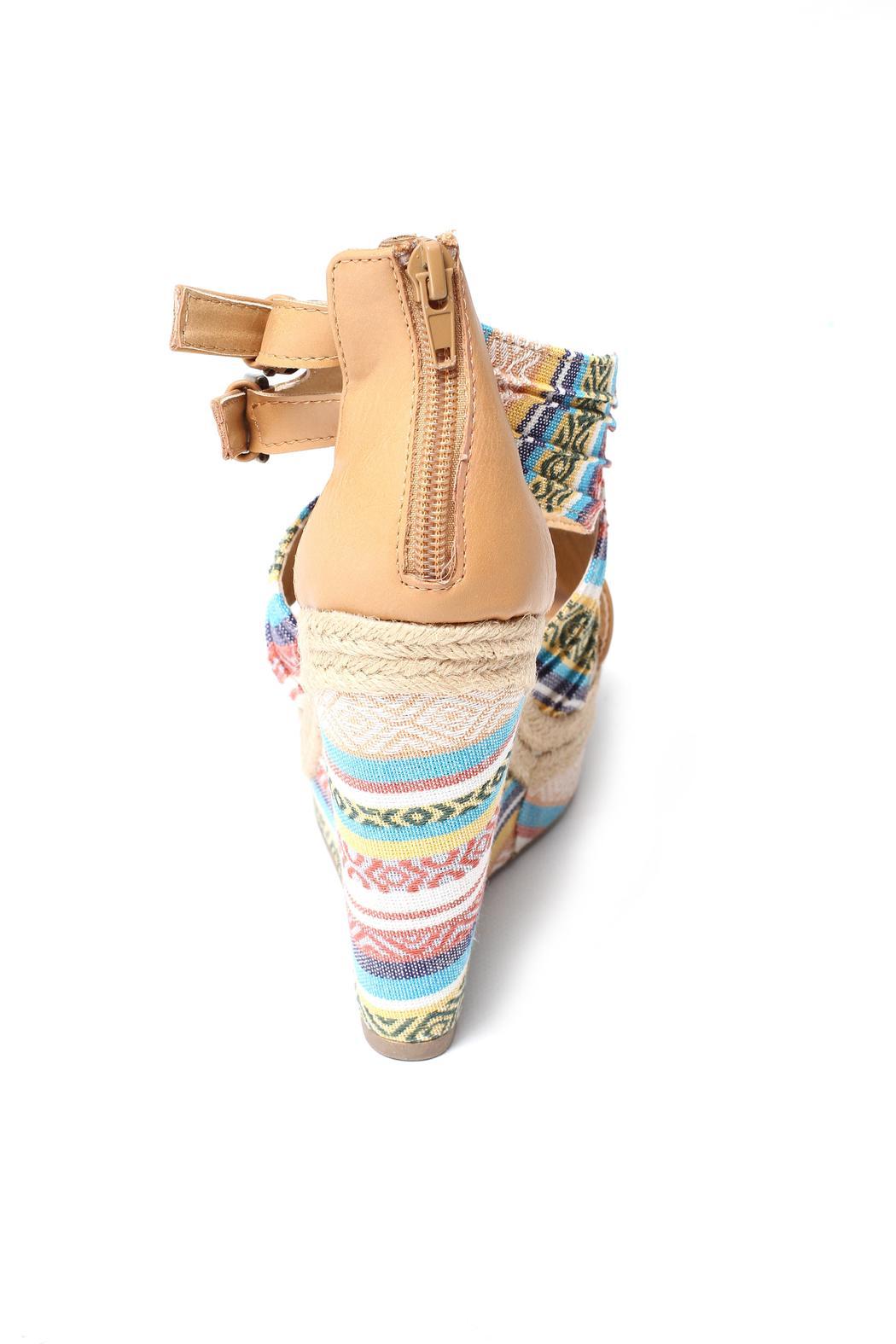 Soda Aztec Print Wedge - Side Cropped Image