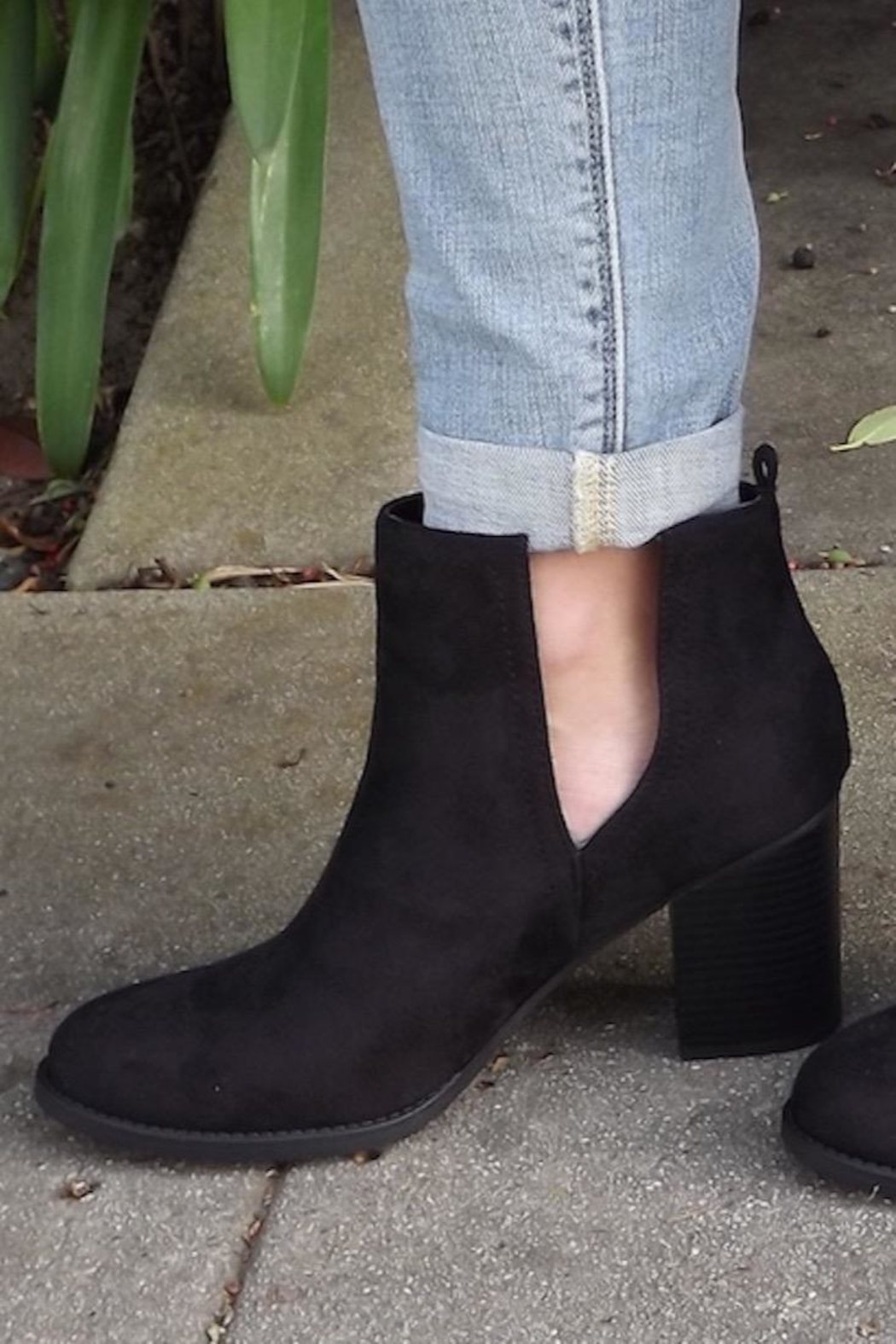 Soda Black Cut-Out Booties - Side Cropped Image