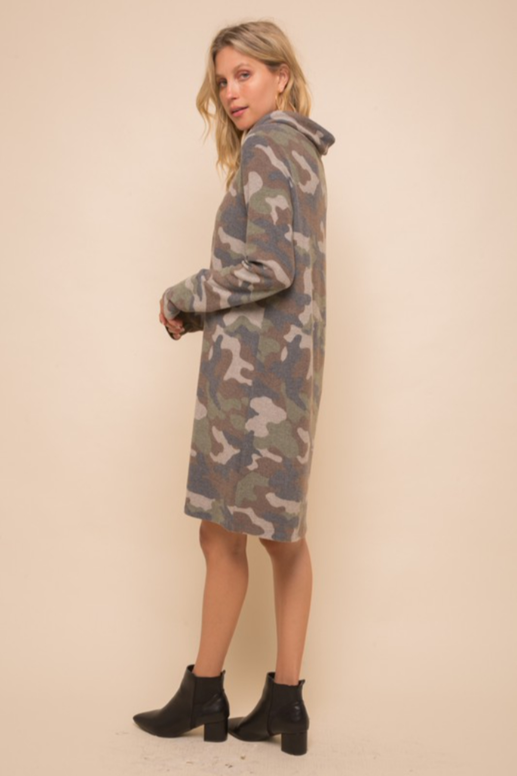 Hem & Thread Soft Brushed Camo Knit Dress - Side Cropped Image
