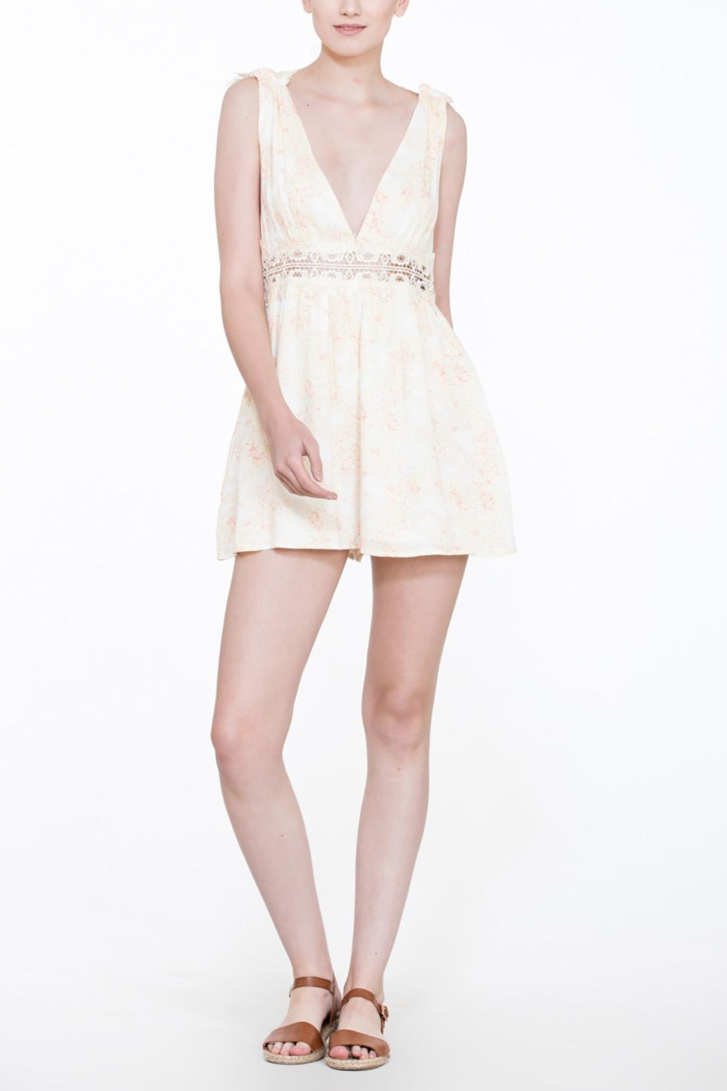 En Creme Soft Lace Romper - Side Cropped Image