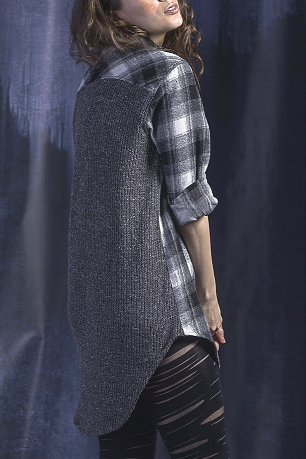 Vivante by VSA Soft Plaid shirt sweater - Front Full Image