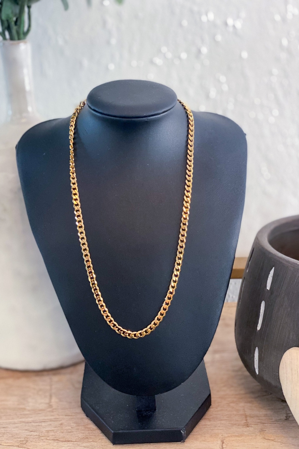 H&Y Soho Gold Chain Necklace - Front Full Image