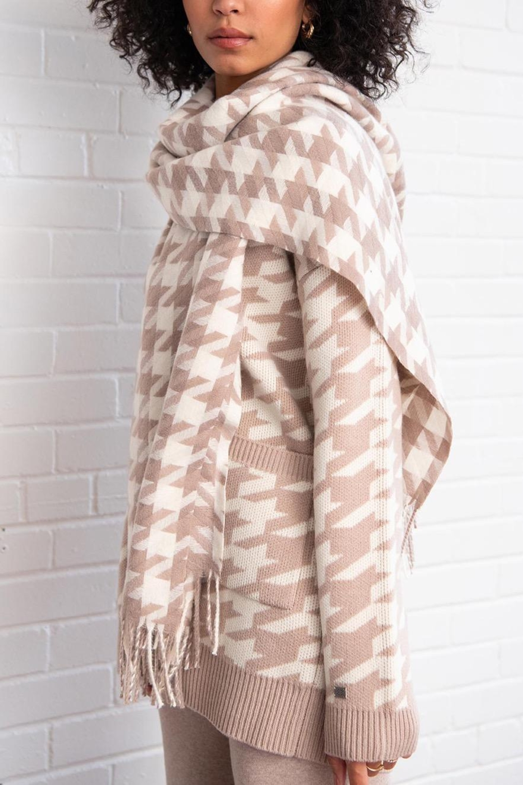 Soia & Kyo Sania Woven Jacquard Scarf With Houndstooth Pattern - Front Cropped Image