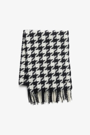Soia & Kyo Sania Woven Jacquard Scarf With Houndstooth Pattern - Side cropped