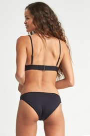 Billabong Sol Searcher lowrider - Side cropped