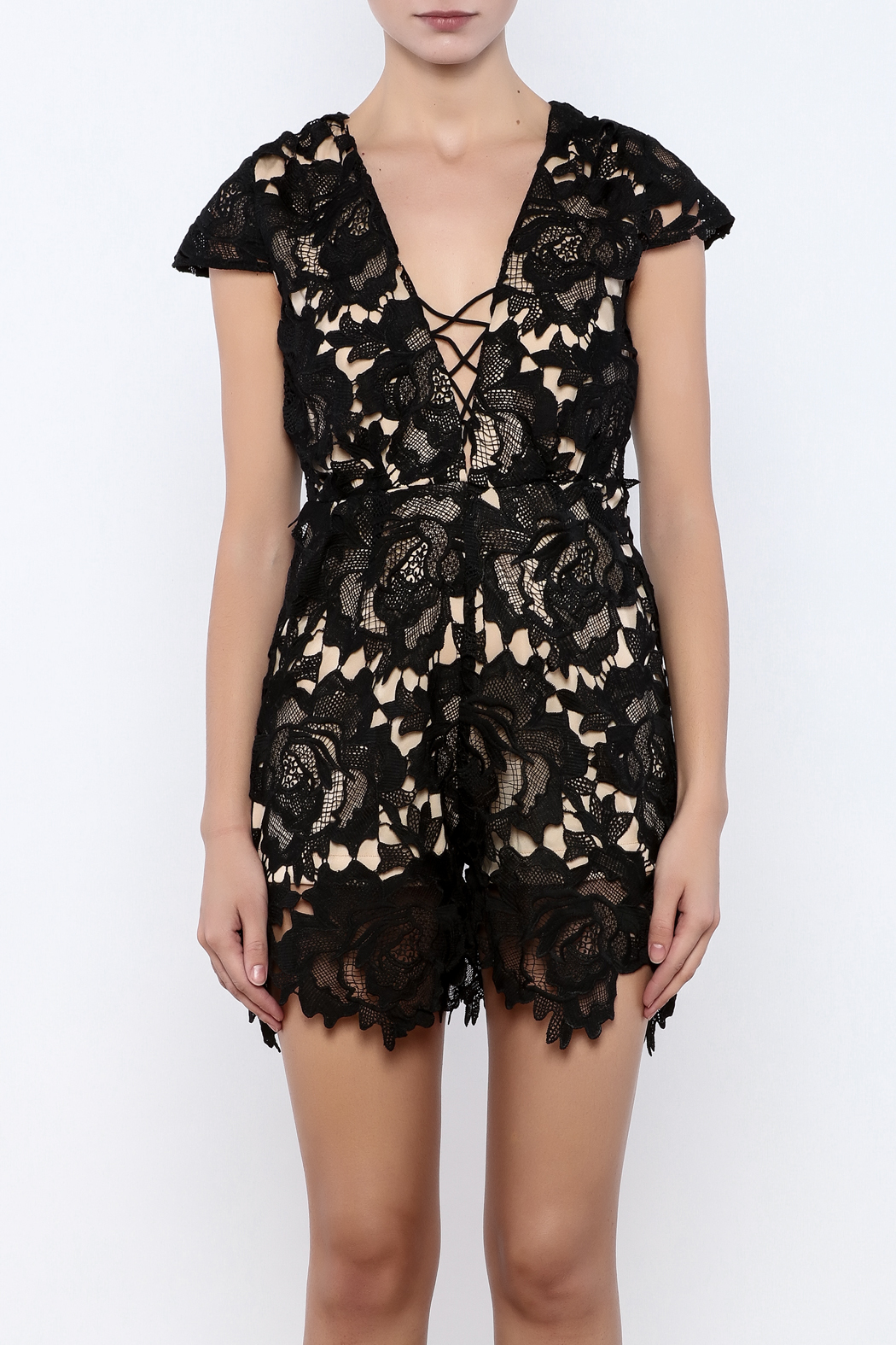 Solaris Style Lace Romper - Side Cropped Image