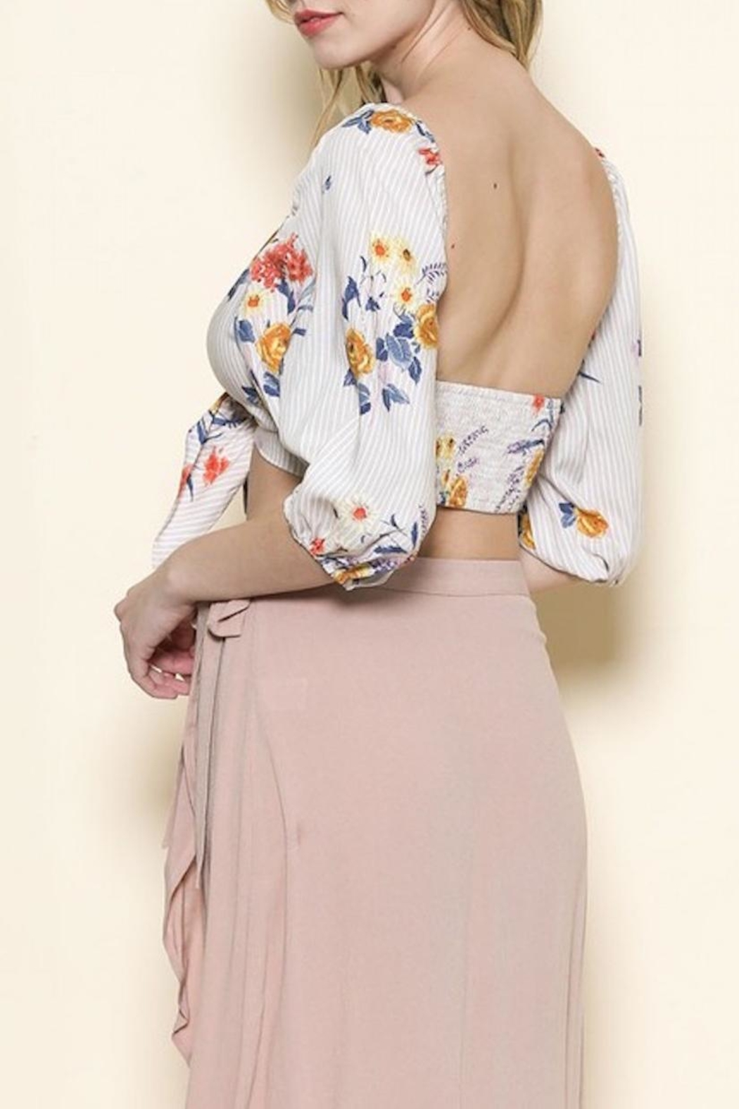 Sole Mio Floral Crop Top - Side Cropped Image