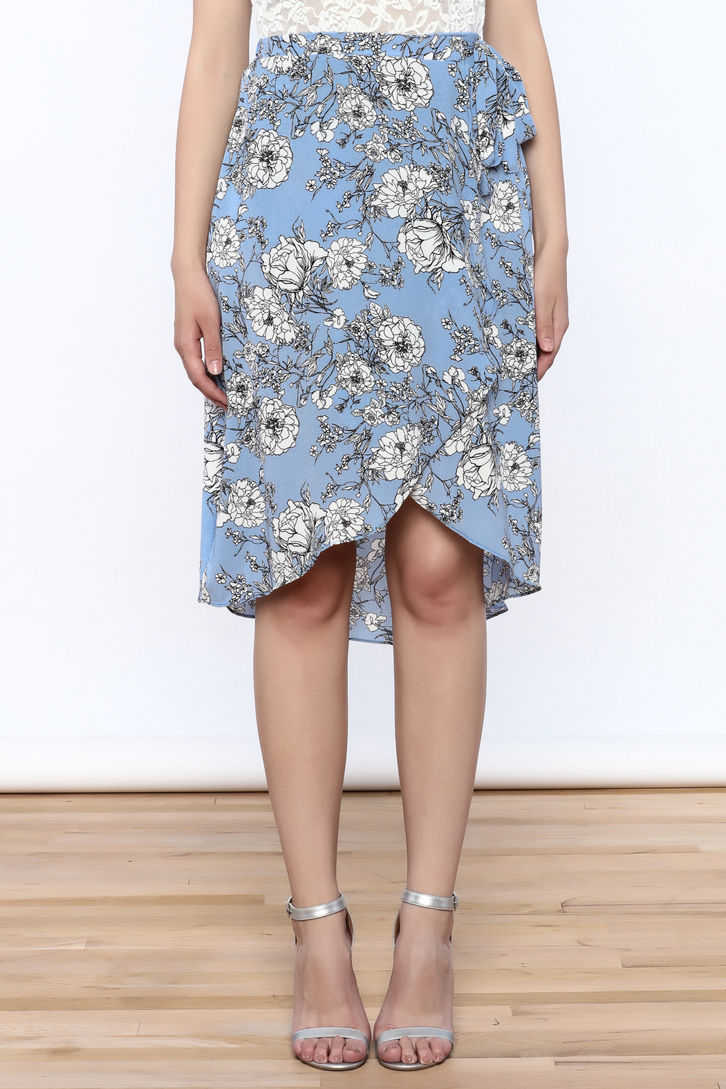 Solemio Floral Wrap Skirt - Side Cropped Image
