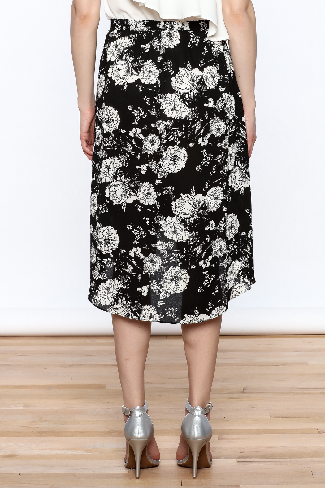 Solemio Floral Wrap Skirt - Back Cropped Image