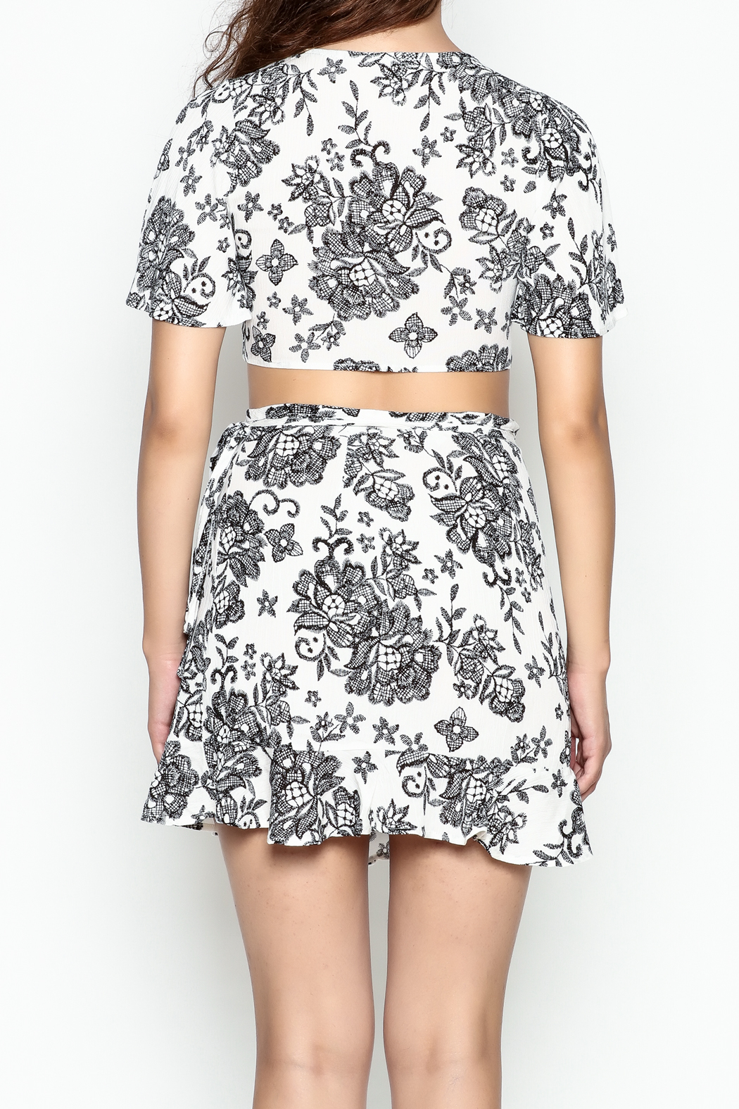 Solemio Print Flare Crop Top - Back Cropped Image