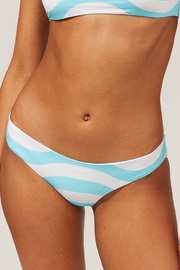 Solid & Striped The Elle Reversible Bottom Wavy Stripe - Front cropped