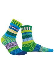 Crafty Yankee Mismatched Novelty Socks - Front cropped