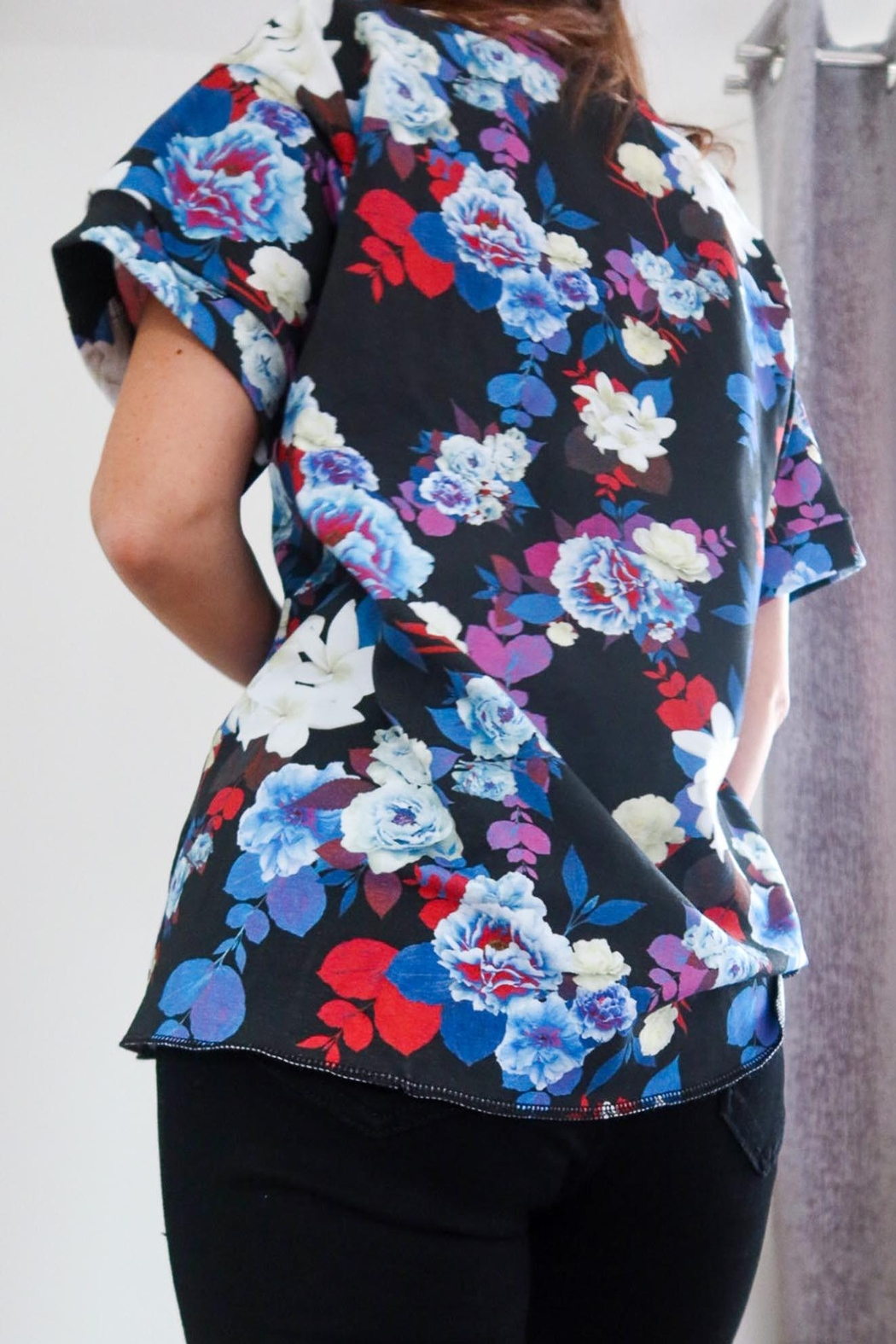 Sophie Cameron Davies Floral Cotton T-Shirt - Side Cropped Image
