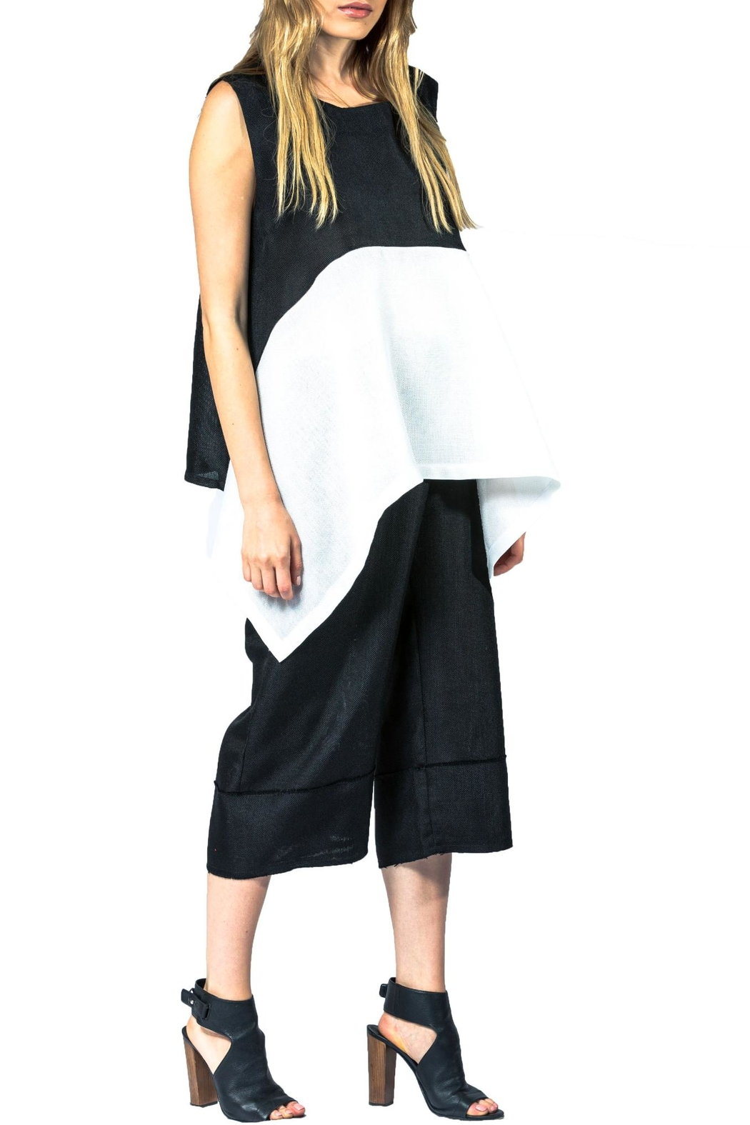 Sova Colorblock Linen Top - Front Cropped Image