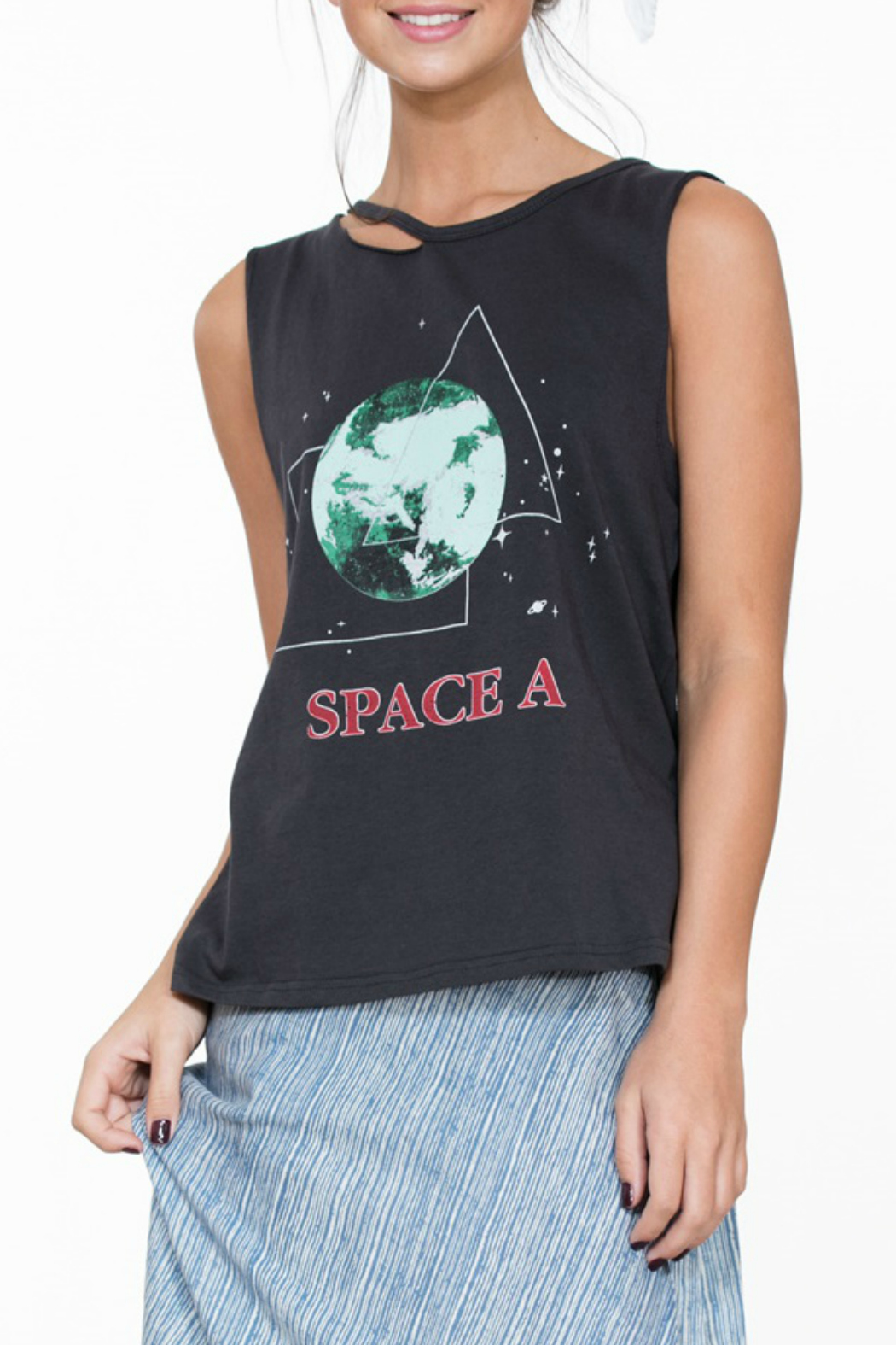 En Creme Space A Tee - Front Cropped Image