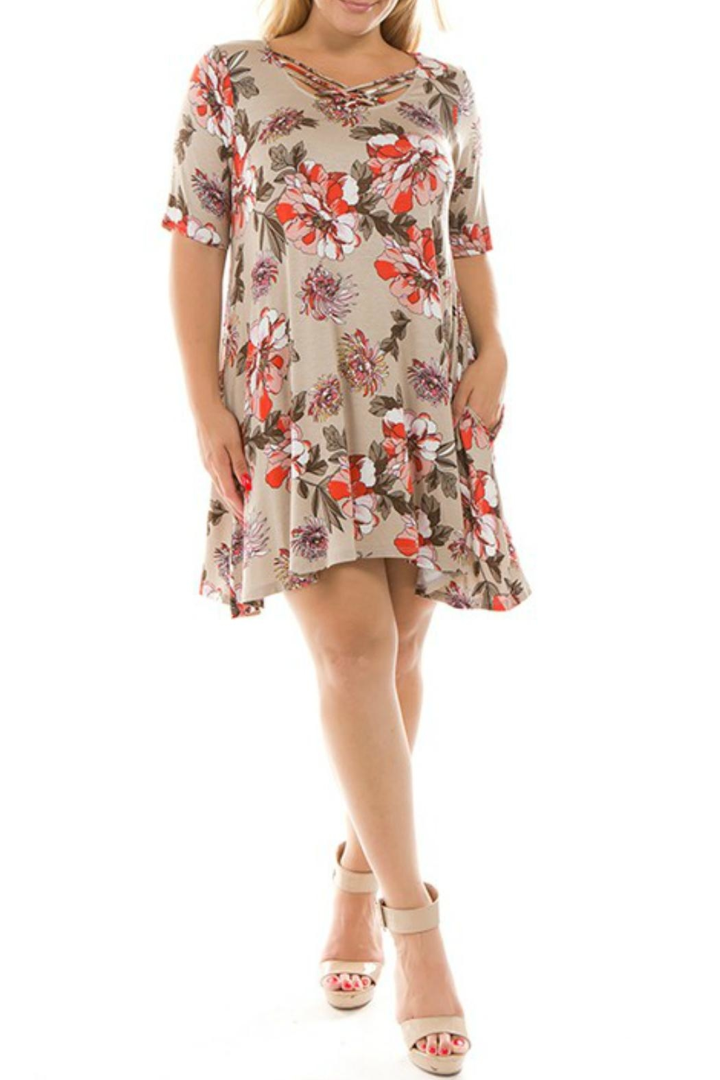 Spin USA Floral Criss-Cross Dress - Front Cropped Image