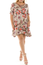 Spin USA Floral Criss-Cross Dress - Front cropped
