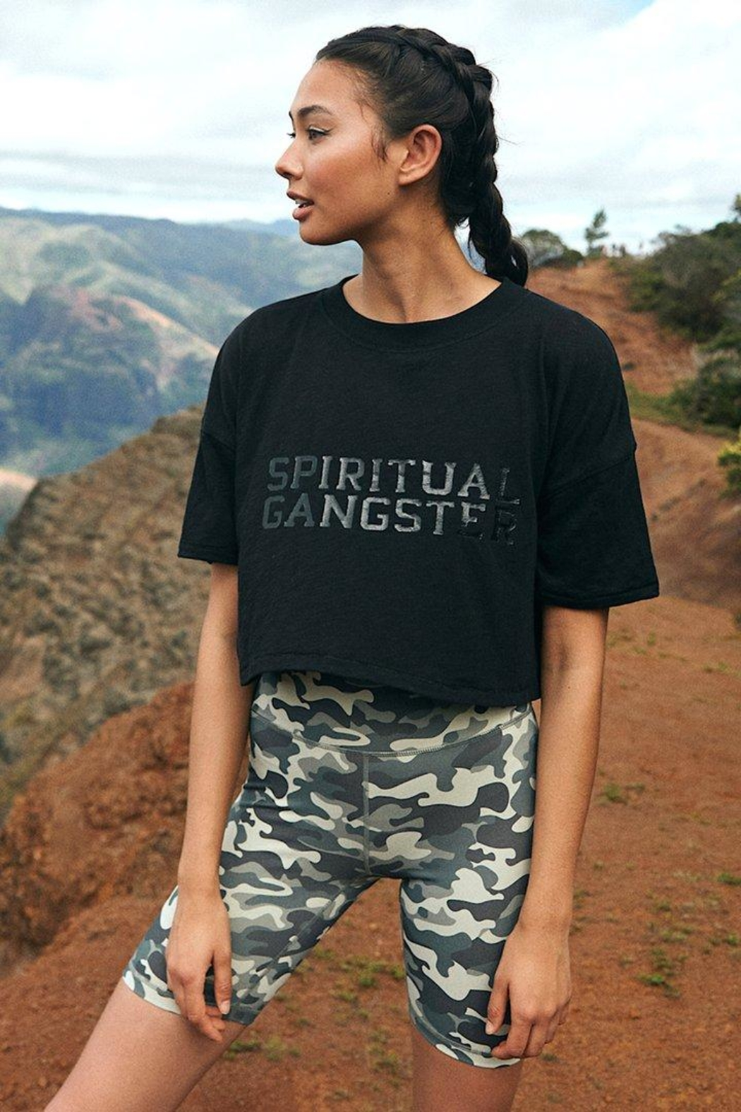 SPIRITUAL GANGSTER Active Sessions Tee - Side Cropped Image