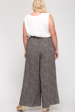 She + Sky Splash Dot Wide Leg Pant Curvy - Alternate List Image