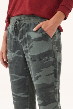 Splendid Camo Jogger Pant - Alternate List Image