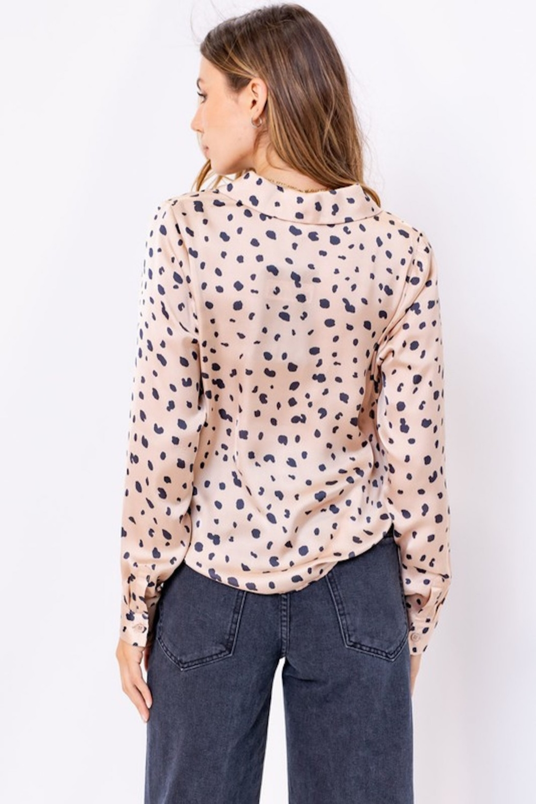 Le Lis Spotted Satin Button Up - Side Cropped Image