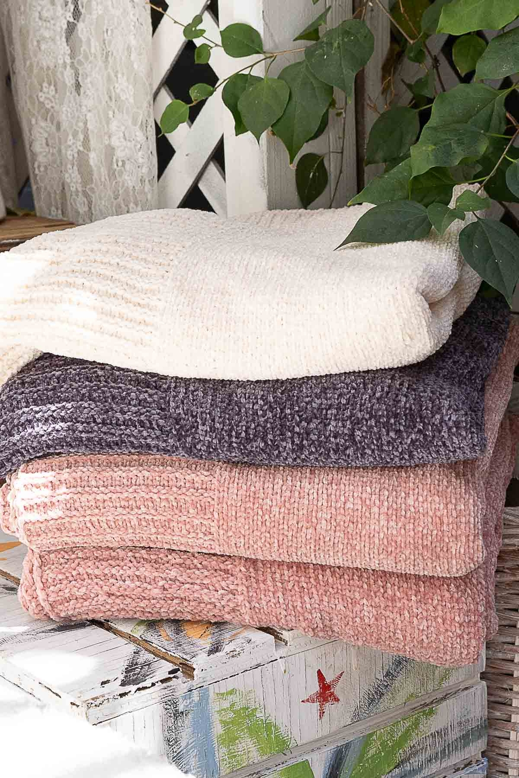 POL Spring Chenille Blanket - Front Cropped Image