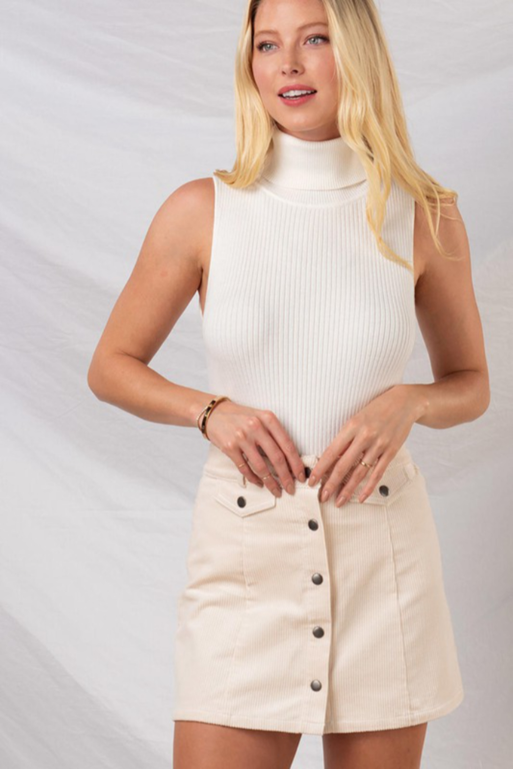 trend notes Spring Essential - Front Cropped Image