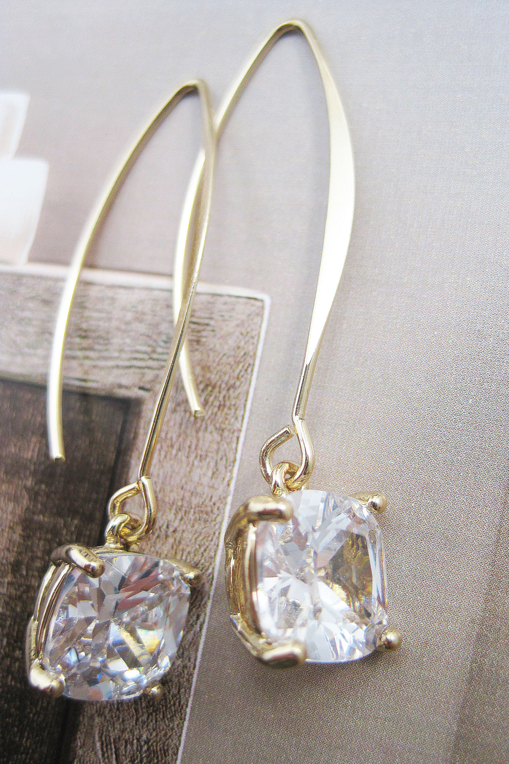 It's Sense Square Cubic Wire Hook Gold Earring - Main Image