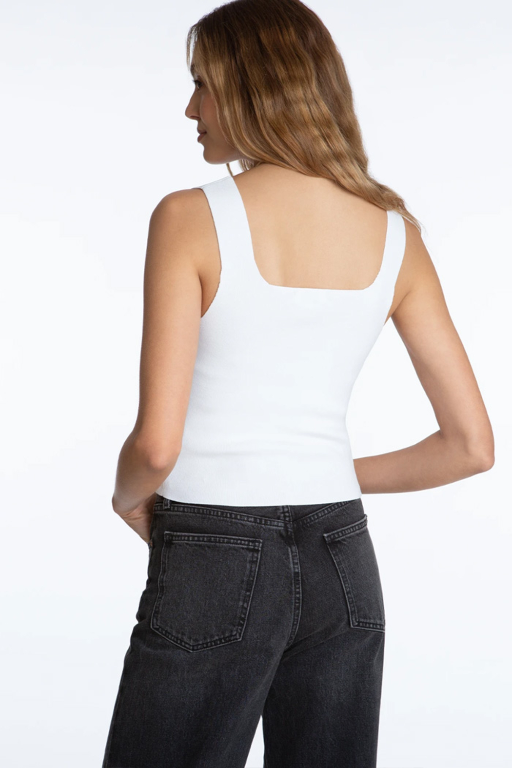 525 America Square Neck Tank - Side Cropped Image