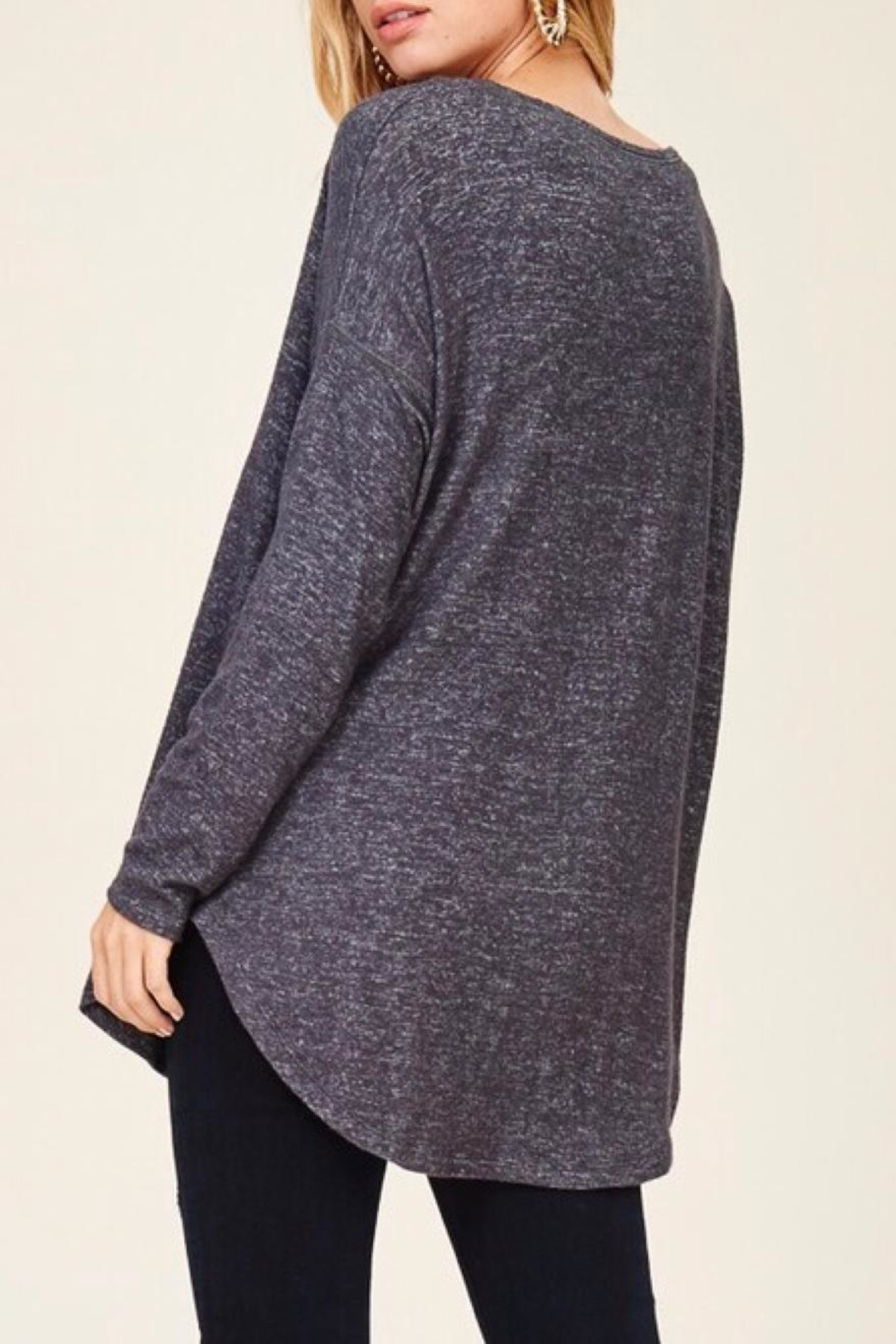 Staccato Casual V-Neck Top - Side Cropped Image