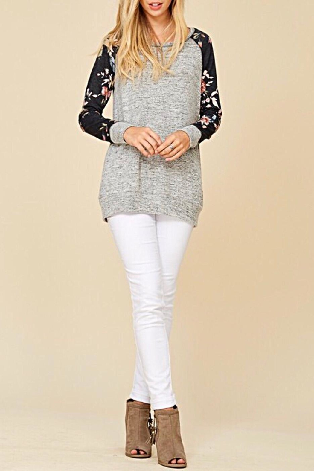 Staccato Floral Raglan Top - Back Cropped Image