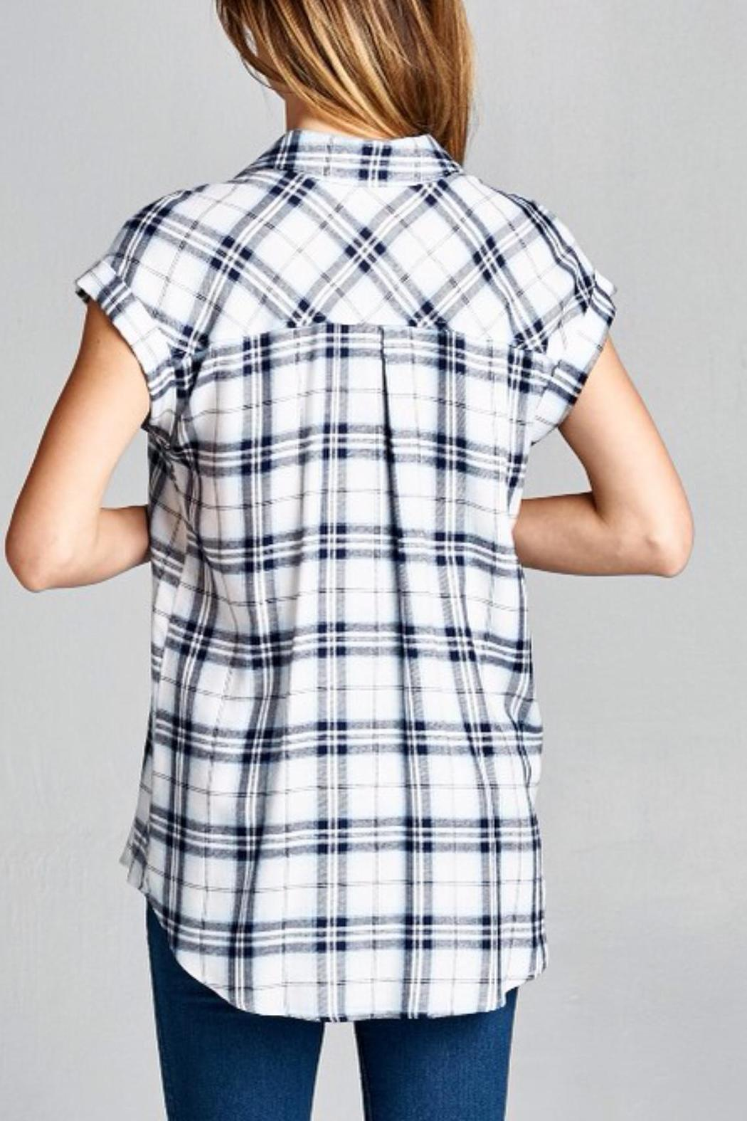 Staccato Plaid Pocket Top - Side Cropped Image