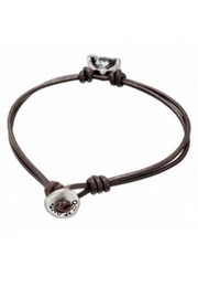 Uno de 50 Star Alone Leather Bracelet w Gray Crystal - Front full body