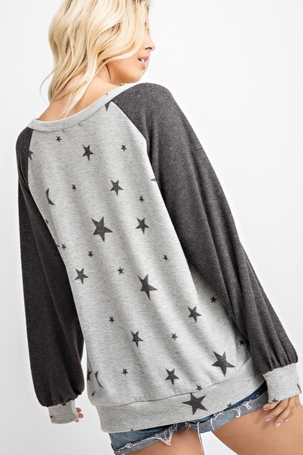 143 Story STAR PRINT COLOR BLOCK TOP - Side Cropped Image