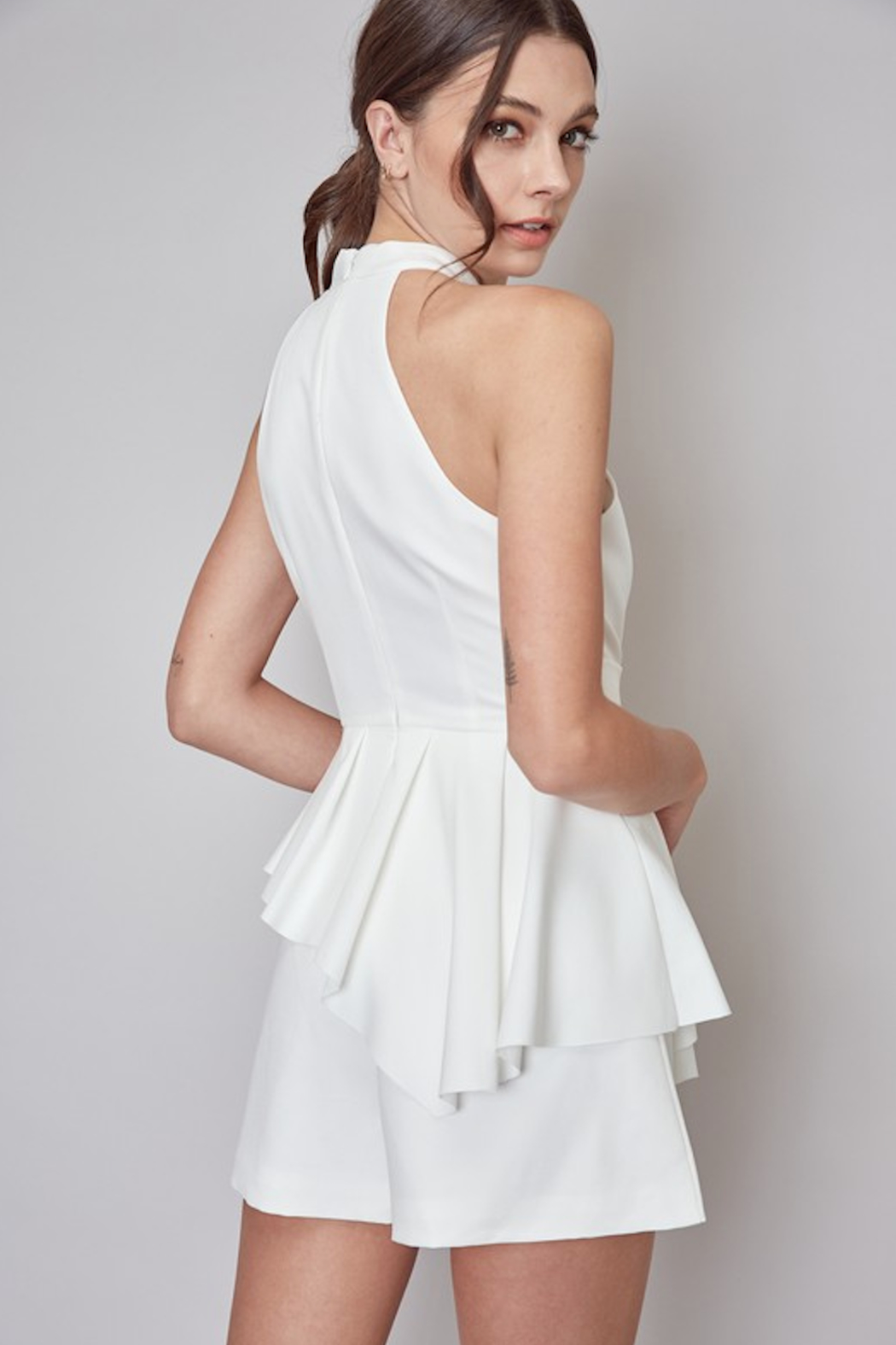 Do + Be  Stella Belted Romper - Side Cropped Image