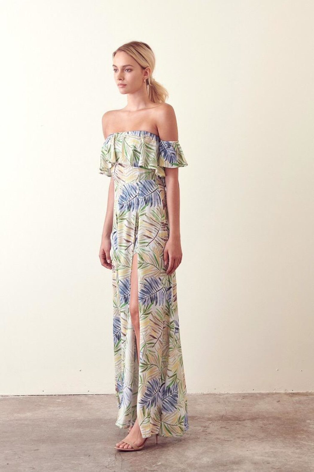 storia Cold-Shoulder Tropical Maxi - Side Cropped Image